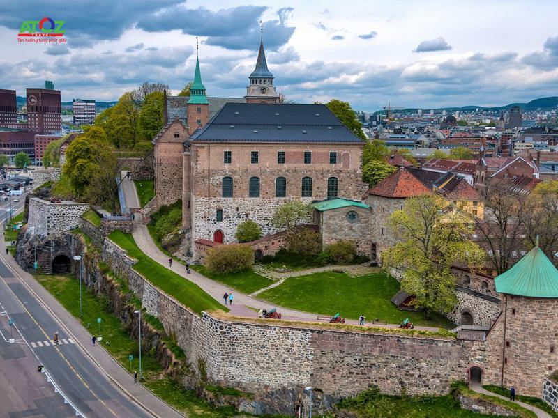 Làng cổ tích Eguisheim đẹp thơ mộng dưới bầu trời Pháp