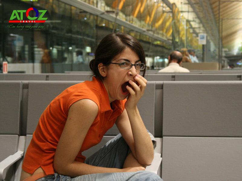Tại sao không nên… ngáp khi đi qua cổng an ninh ở sân bay?